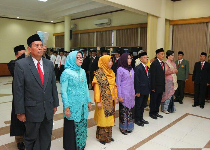 Lantik Dekan, Rektor Targetkan Peningkatan Pelayanan yang Berkualitas