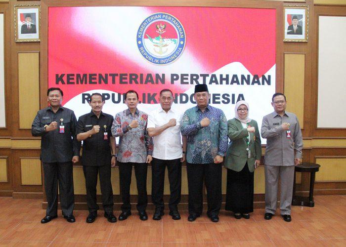 """Menhan RI Silaturahmi dengan Rektor dan Dosen UPN """"Veteran"""" Jakarta, Yogyakarta, Jawa Timur dan UNHAN."""