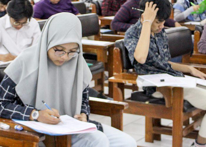 4297 Peserta Ujian Tulis Berebut 1100 Kursi Mahasiswa Baru Jalur Mandiri