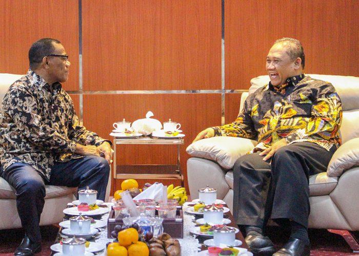 Rektor UPN Veteran Jawa Timur Terima Studi Banding BLU Dengan Universitas Khairun Ternate