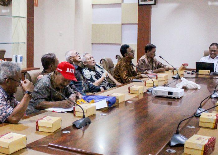 Silaturahmi Alumni Untuk Kontribusi demi Perkembangan UPNVJT